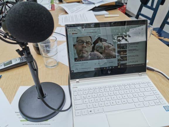 Kreativitätsfondue – Digitale Inhalte für den Konfi-Unterricht im DigiLab Lüne